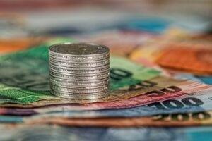 Wzór, jak obliczyć całkowity koszt kredytu.