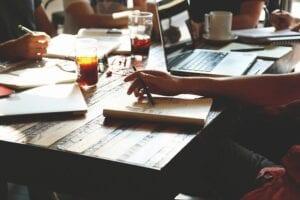 Dyskusja nad tematem zdolność kredytowa a poręczenie kredytu.